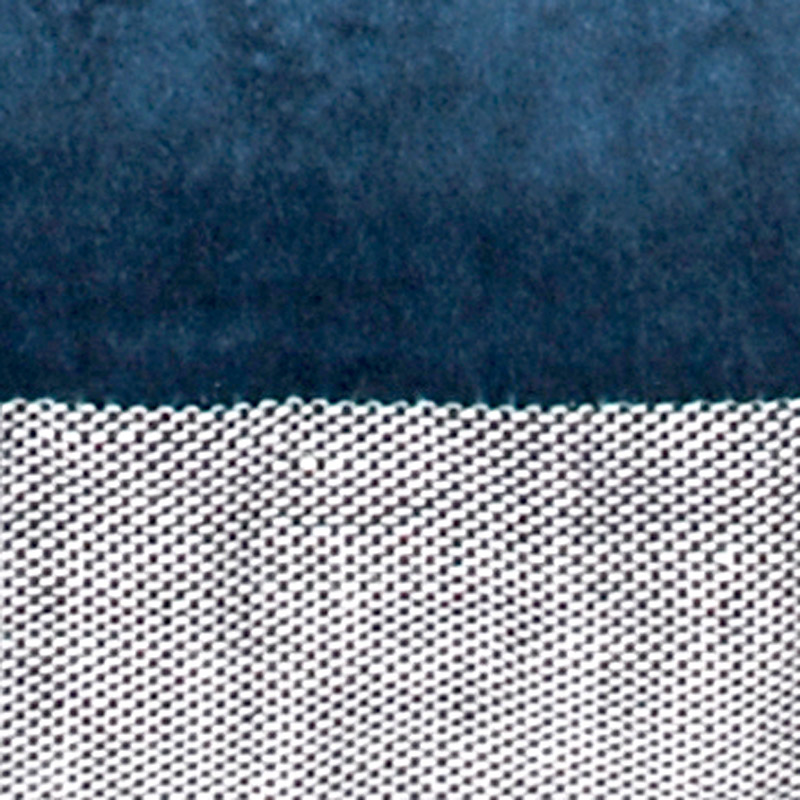 Aspegren-cushion-velvet-solid-3217-indigoblue-closeup-web
