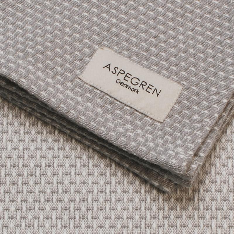 Aspegren-dishcloth-waffle-grayOW-3940-closeup-web